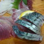 屋久島料理・御宿鶴屋 - 料理写真:造り盛り 首折れ鯖、カツオなど