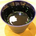 トゥ・ラ・ジョア - オマール海老の香味揚げのスープ