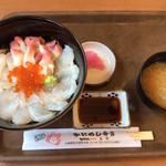 かにかにKAN魚粋 - 長万部丼  1500円