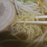 旭川ラーメン番外地 - 麺アップ