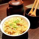 鉄板焼・旬彩 ほづみ - 特製ガーリック炒飯。途中で出汁をかけて食べます。(絶品)