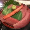 魚っ喰いの田 - 料理写真:大間のマグロ尽くし丼。ズワイガニは大人の休日倶楽部のサービス