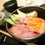 72864863 - 本マグロとサーモン丼