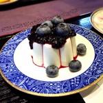 和 - 料理写真:ブルーベリーが大粒です。