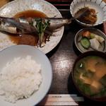 梅田 - トビウオ煮付け定食