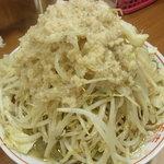 自家製太麺 ドカ盛 マッチョ - 野菜マシマシ、脂マシ、カラメ、ニンニク抜き