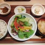 みどりのキッチン - 焼鮭定食¥480-