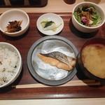 みどりのキッチン - たっぷり野菜定食¥480-