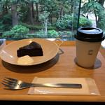 72870694 - ガトーショコラ(500円)、ハンドドリップコーヒー(350円)