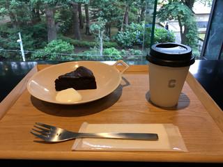 CONNEL COFFEE - ガトーショコラ(500円)、ハンドドリップコーヒー(350円)