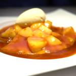 銀座メゾン アンリ・シャルパンティエ - クレープ・シュゼット 季節のフルーツ(桃)、バニラアイストッピング