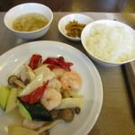 72871156 - 二種海鮮と季節の野菜炒めセット ¥1,250
