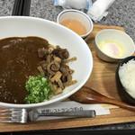 72871313 - ぼっカレーヌードル 1200円 中に中華麺みたいなのが入っててカレーライスも楽しめて良かったです♫