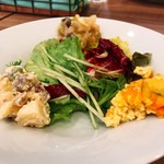 レストラン マルヤマ - サラダ前菜 こだわりを感じます