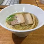 ラーメン HARU - 塩煮干しらーめん 700円
