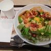 ハワイアン パンケーキ&カフェ メレンゲ - 料理写真:サーモンとアボガドのサラダ丼¥780+税