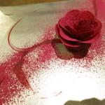 72876635 - フォアグラのポアレ ビーツのチュイール 情熱の薔薇