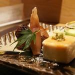 おにく 花柳 - 焼き松茸と焼き胡麻豆腐、未来のコーンスープ