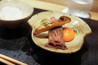 おにく 花柳 - サーロインと松茸すきやき、八ヶ岳卵