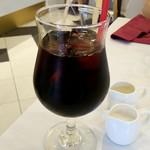 アニヴェルセルカフェ - アイスコーヒー