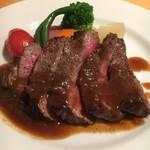 ナトワ - 牛モモ肉のソテーオニオンソース