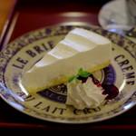 ホテル一乃館 コーヒーショップ『グリル』 - 料理写真:チーズケーキです。