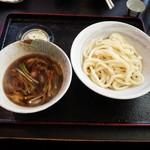 72888095 - 鴨汁うどん(半)1000円&沢の鶴500円
