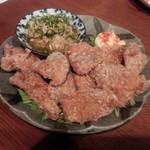 日本酒バル森 - マグロの竜田揚げ、大根おろしとともに