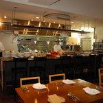 新町バール la cima - 広く清潔感のある厨房