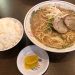 長崎亭 - 料理写真:ラーメン=500円 小めし=170円