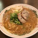長崎亭 - スープは醤油豚骨