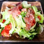 チャコリ - 料理写真:サラダはお代わり自由