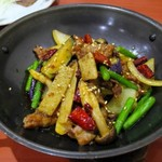 72902828 - 干鍋牛肉(牛肉の鉄鍋炒め)