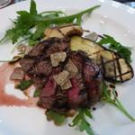 イルピノーロ・レヴィータ - 彩豊かな野菜と肉が美味しい。