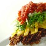 ハモニカ・クイナ - チーズタコライス