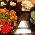 串焼き もんじろう - 焼鳥丼、唐揚げ追加トッピング