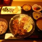 はしや - 塩麹に漬けた鶏の竜田揚げ定食1069円