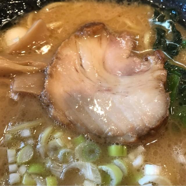 ゴル家 伊勢佐木モール店 - 豚骨醤油ラーメン。 旨し。