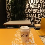 マクドナルド - 2階席とプレミアムローストコーヒー。