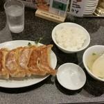 72917565 - 黒豚餃子定食(小ごはん)730円。
