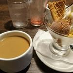 ベビーフェイスプラネッツ 新潟フレスポ赤道店 - ドリンクバーのコーヒーと、リッチランチの特製デザート