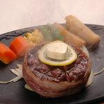 G.G.C. - 料理写真:GGCステーキ 150g  国際安全基準をみたした肉汁たっぷりの熟成ハラミ使用