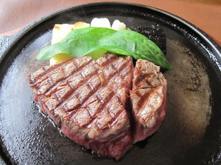 ステーキレストラン パポイヤ - 石垣ぎゅう