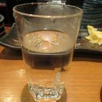 回転さかなや鮨・魚忠 則武本通り店 - 赤霧島 お湯割り 520円 (2017.7)