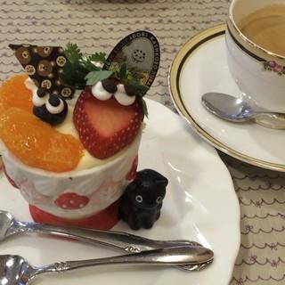 Ruban - 料理写真:プリンアラモード、カップは2種あり