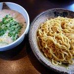 越後秘蔵麺 無尽蔵 - 料理写真:温つけめん白ごま味