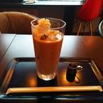 KIKI - KIKIオリジナルアイスカフェオーレ(ホイップ付き)
