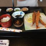 魚彦会館 - 料理写真:妻のエビフライです。