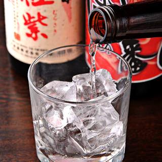 焼鳥との相性にこだわった厳選日本酒、焼酎の数々
