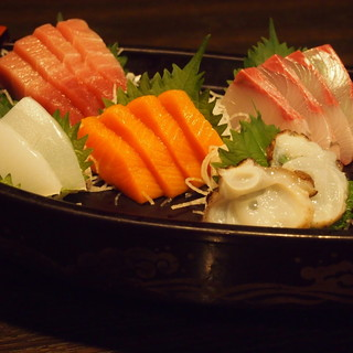 新鮮な魚料理をどうぞ!